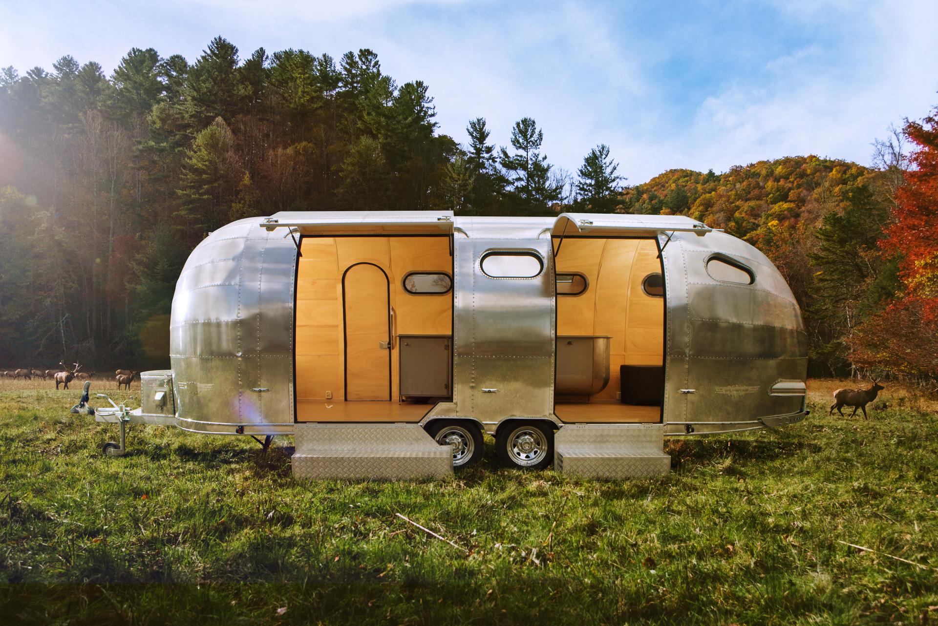 custom-caravan-2000
